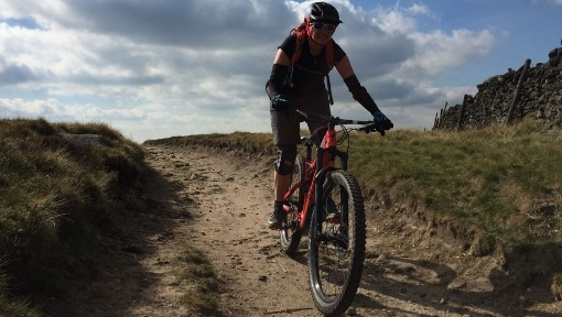 Peak District Mountain Biking Ladybower Hope Valley Edale Jacobs ladder guided rides